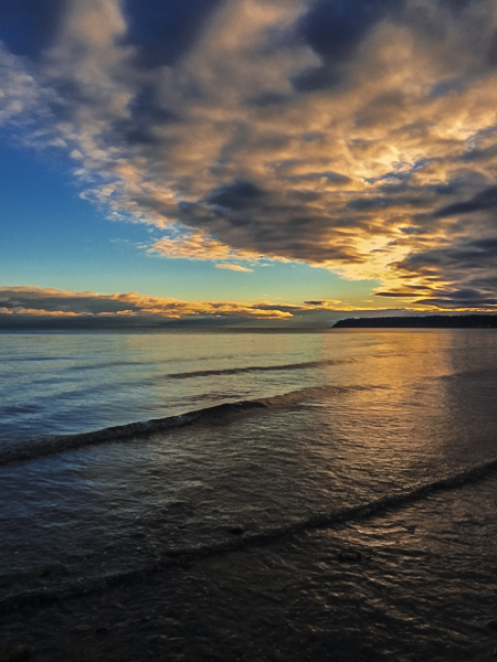 Sunrise At Qualicum Beach iPhone 5s