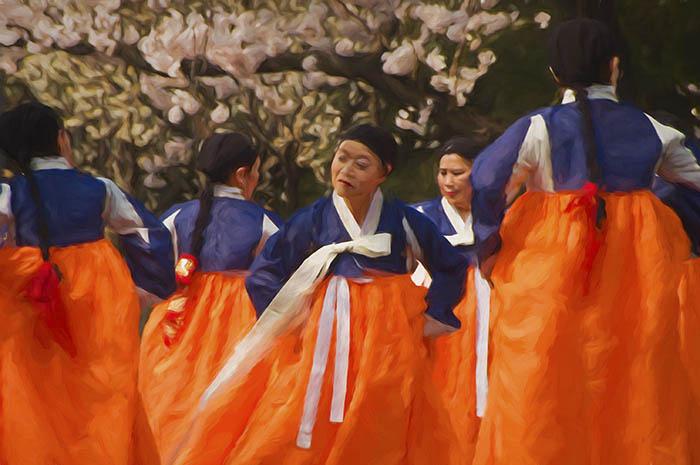 Traditional South Korean Women Dancers